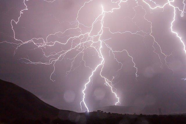 Et lynnedslag kan kræve akut hjælp fra en elektriker